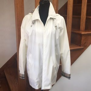Burberry White Rain Coat, detachable hood